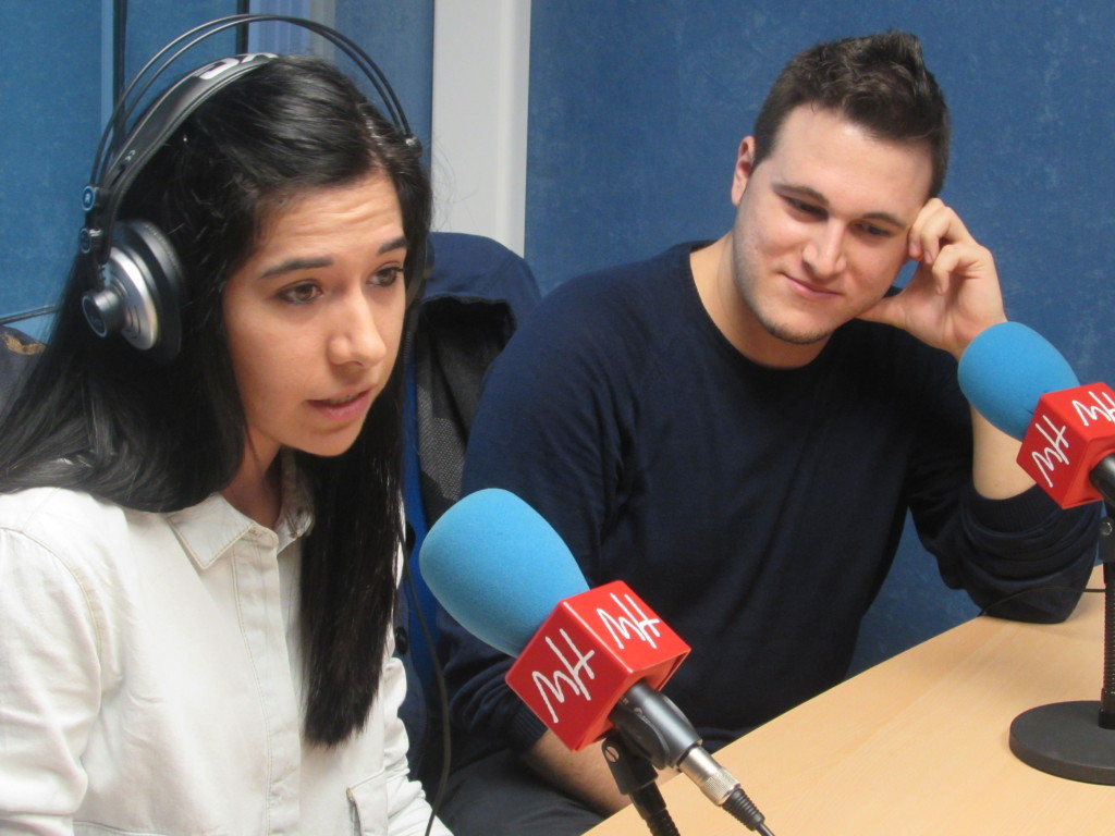 Laura Blanco y Ángel Anaya en los estudios de Radio UMH.